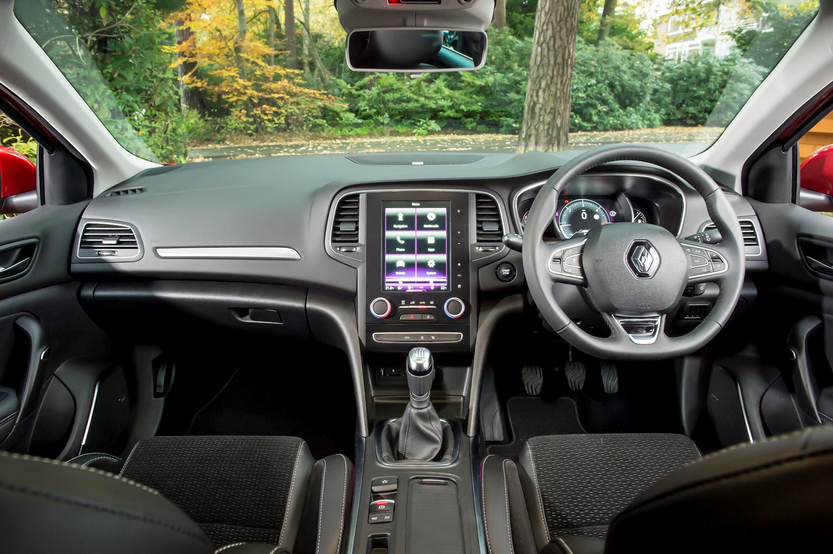 Renault Megane Sport Tourer equipment, safety and interior | Parkers