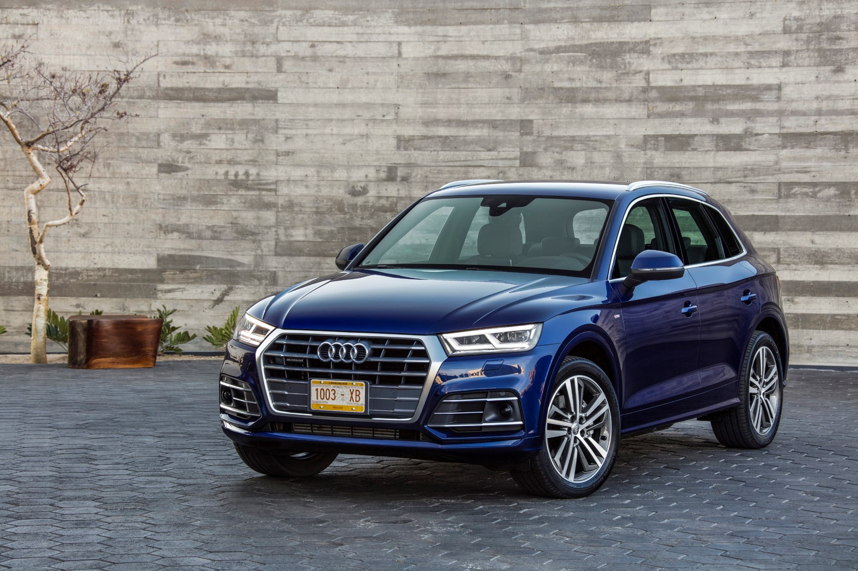 audi  suv review  parkers