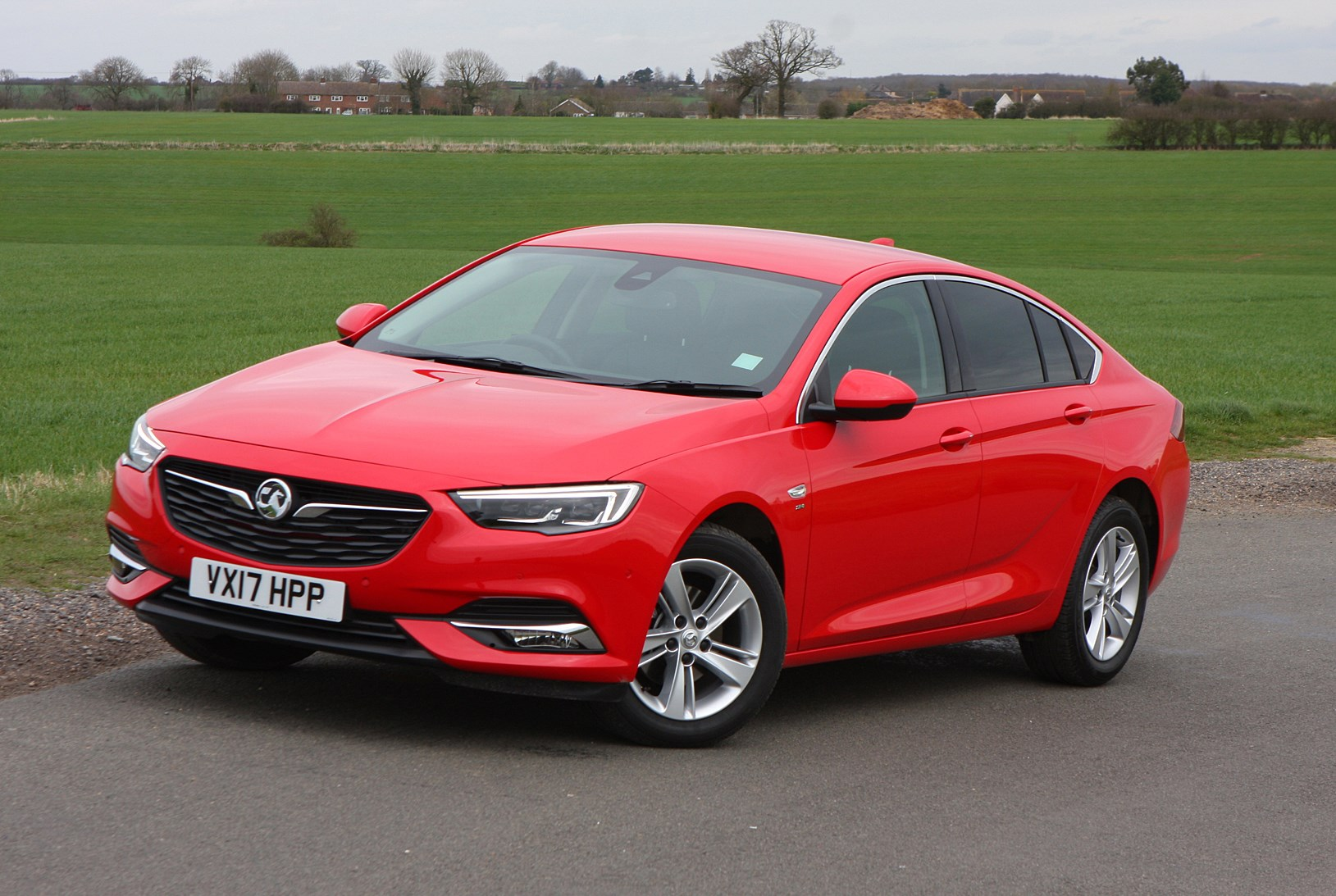 vauxhall insignia grand sport review 2017 parkers. Black Bedroom Furniture Sets. Home Design Ideas