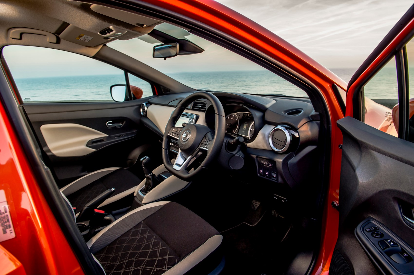 Nissan Micra Hatchback (2017 - ) Features, Equipment and Accessories ...