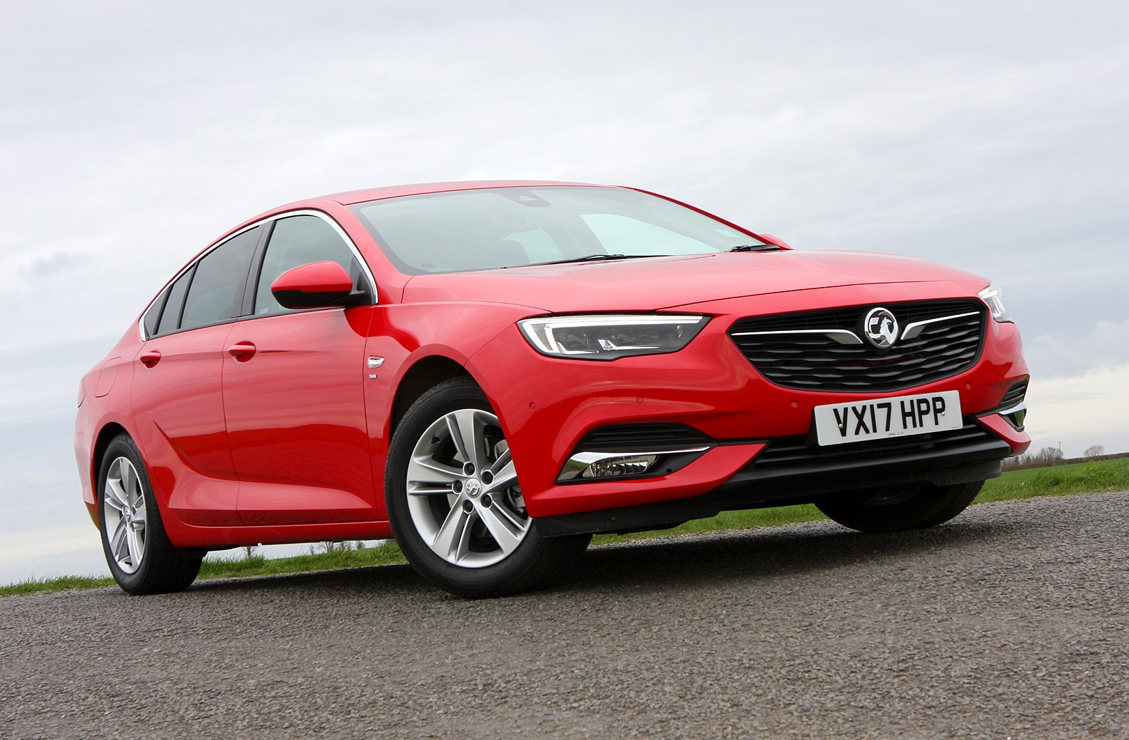 vauxhall insignia grand sport review 2017 parkers autos post