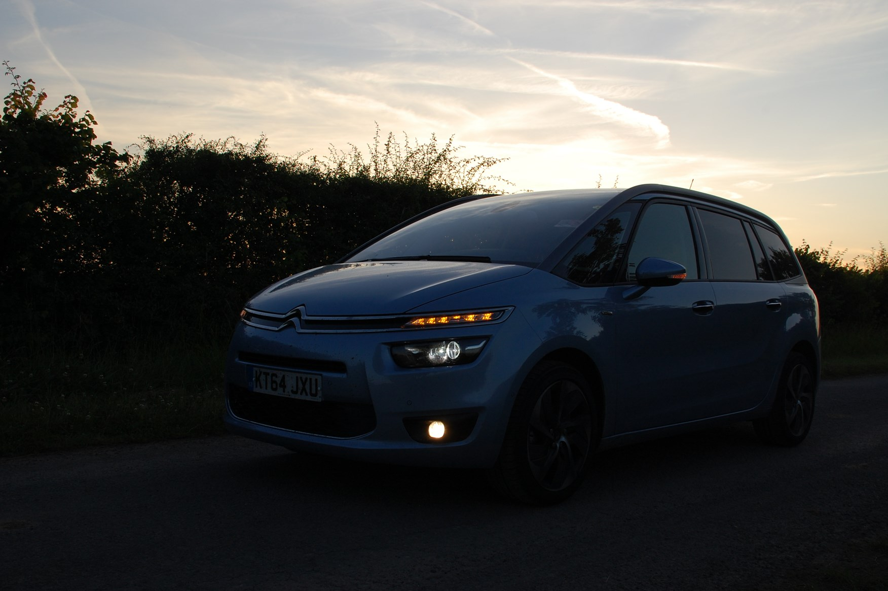 citroen grand c4 picasso let there be lights parkers. Black Bedroom Furniture Sets. Home Design Ideas