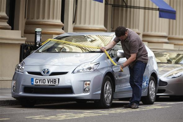 Car Dealers Peterborough >> Electric cars - pros and cons | Parkers