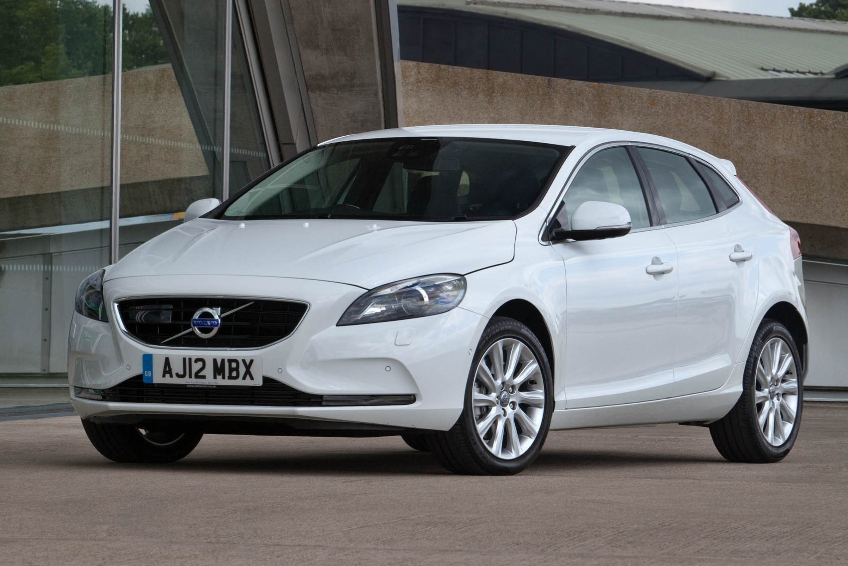Safest Small Family Cars Parkers Vauxhall Volvo V40