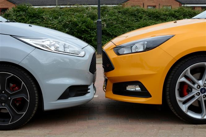 Twin Test Ford Fiesta St200 Vs Ford Focus St Parkers