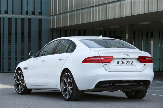 jaguar xe 3 0 v6 supercharged s early drive parkers