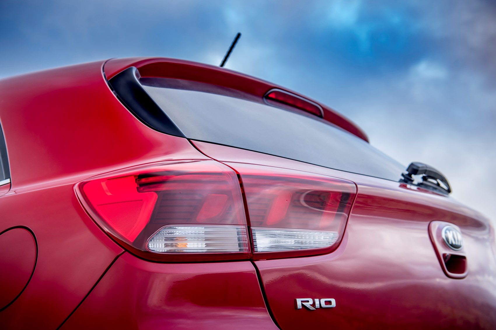Kia Rio Hatchback 2017 Features Equipment And Accessories Driving Lights Exterior Detail