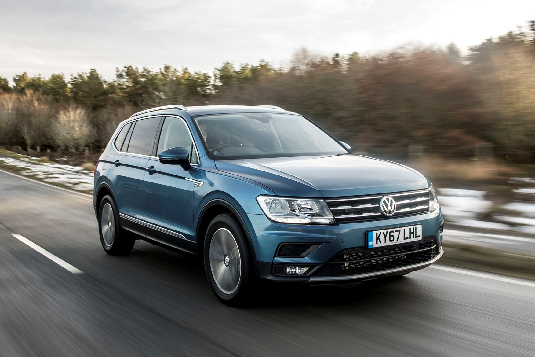 Vw Tiguan Allspace Review Features Safety And Practicality Parkers Volkswagen Touareg Central Wiring Harness Single Parts A Driving