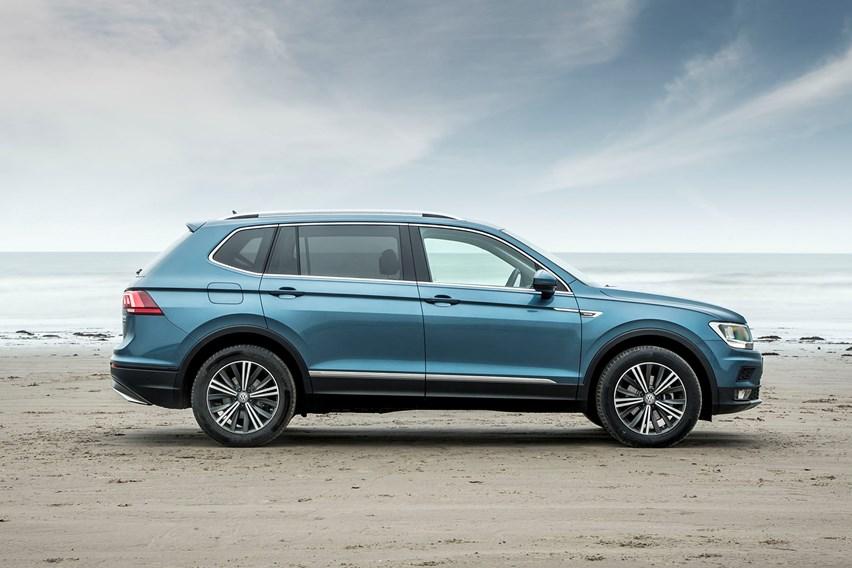 Volkswagen Tiguan Allspace (2021) Practicality & Boot ...