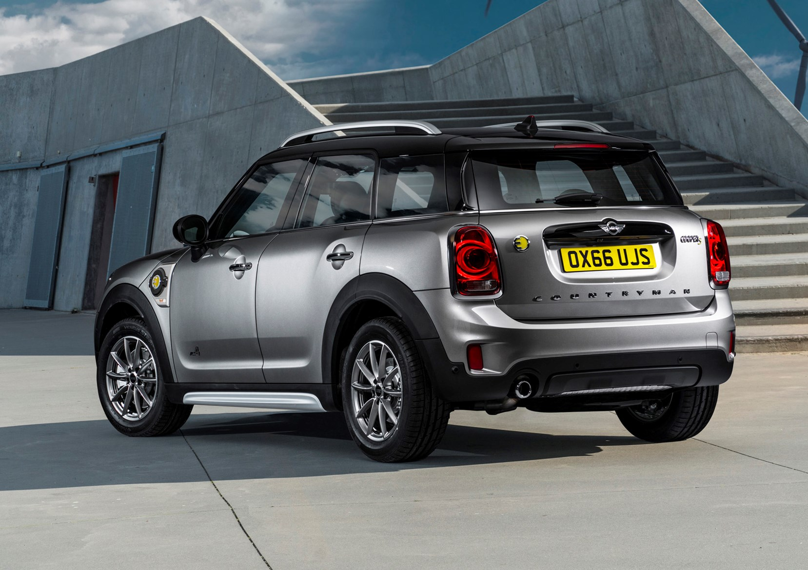watt s the price mini cooper s e countryman all4 to cost from 31 585 parkers. Black Bedroom Furniture Sets. Home Design Ideas
