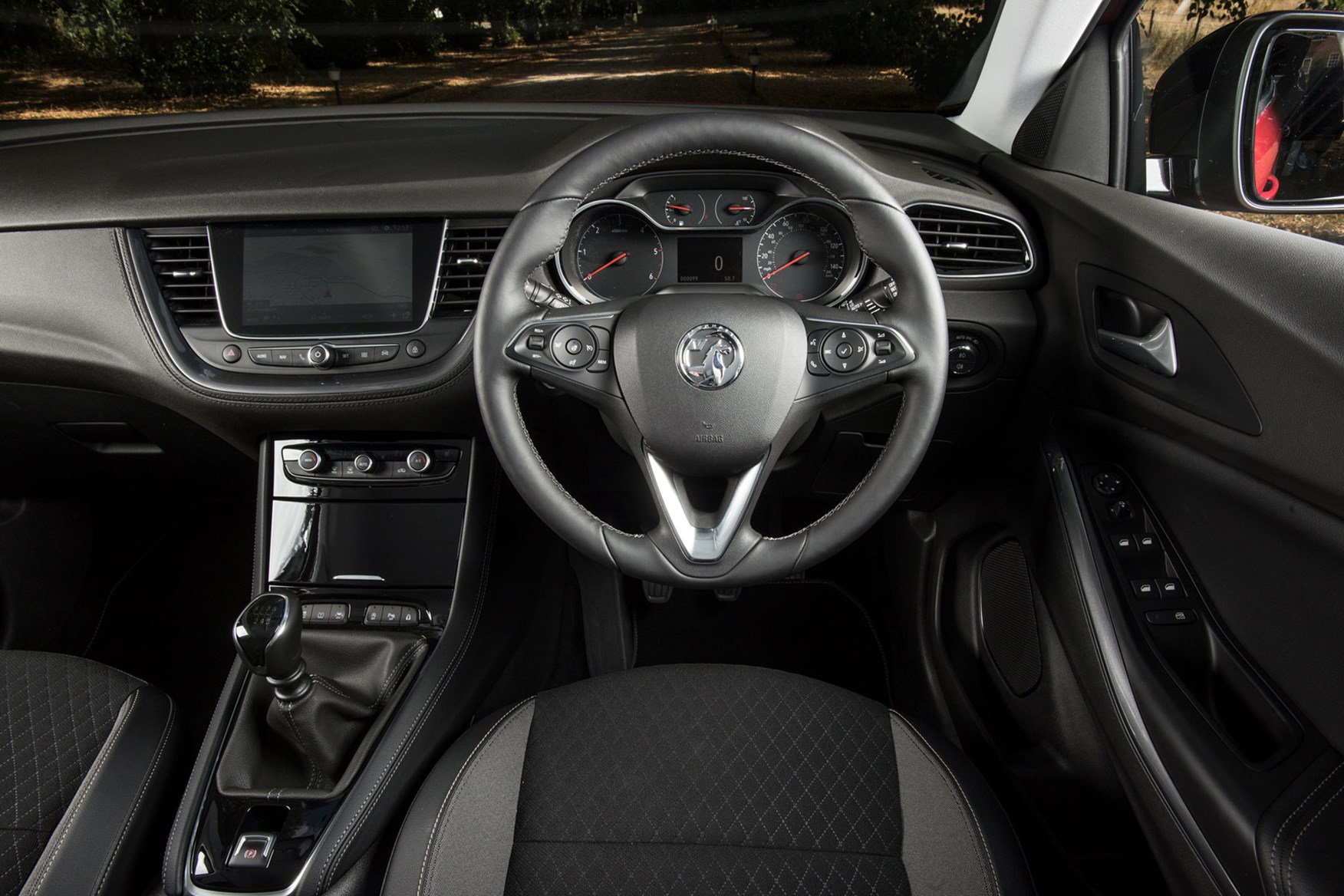 Vauxhall Grandland X Review (2019) | Parkers