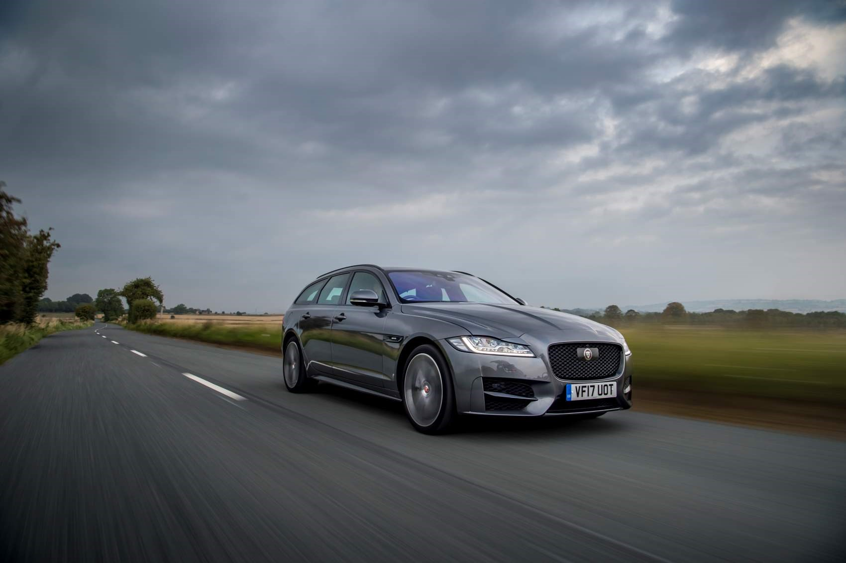 jaguar xf sportbrake review  2019