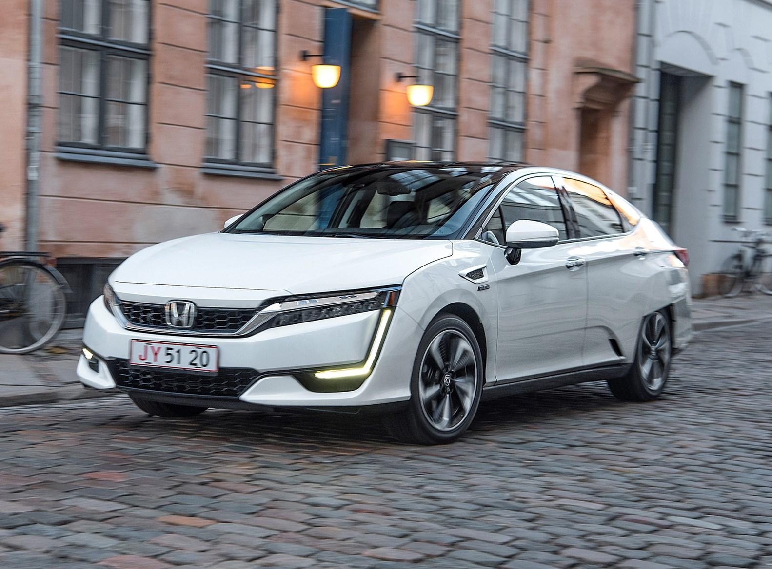 Honda Clarity Saloon Review