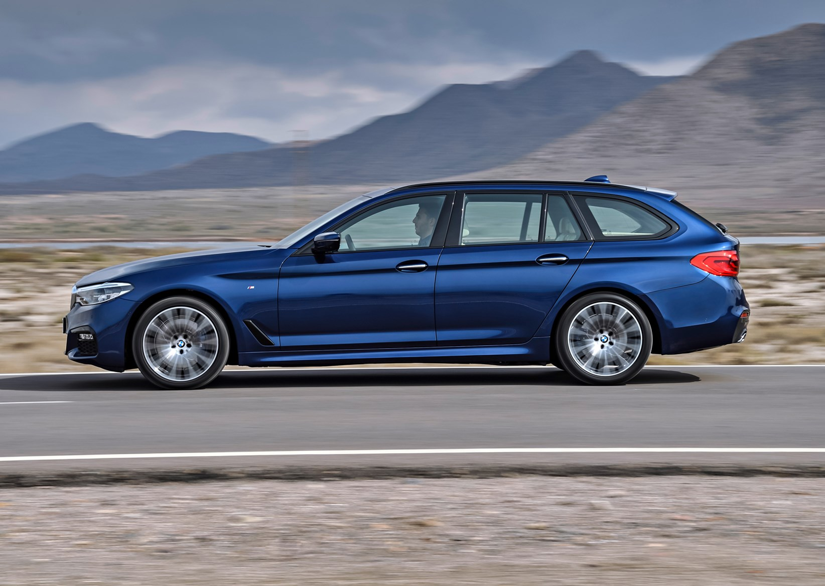 Bmw 5 Series Touring Review 2021 Parkers