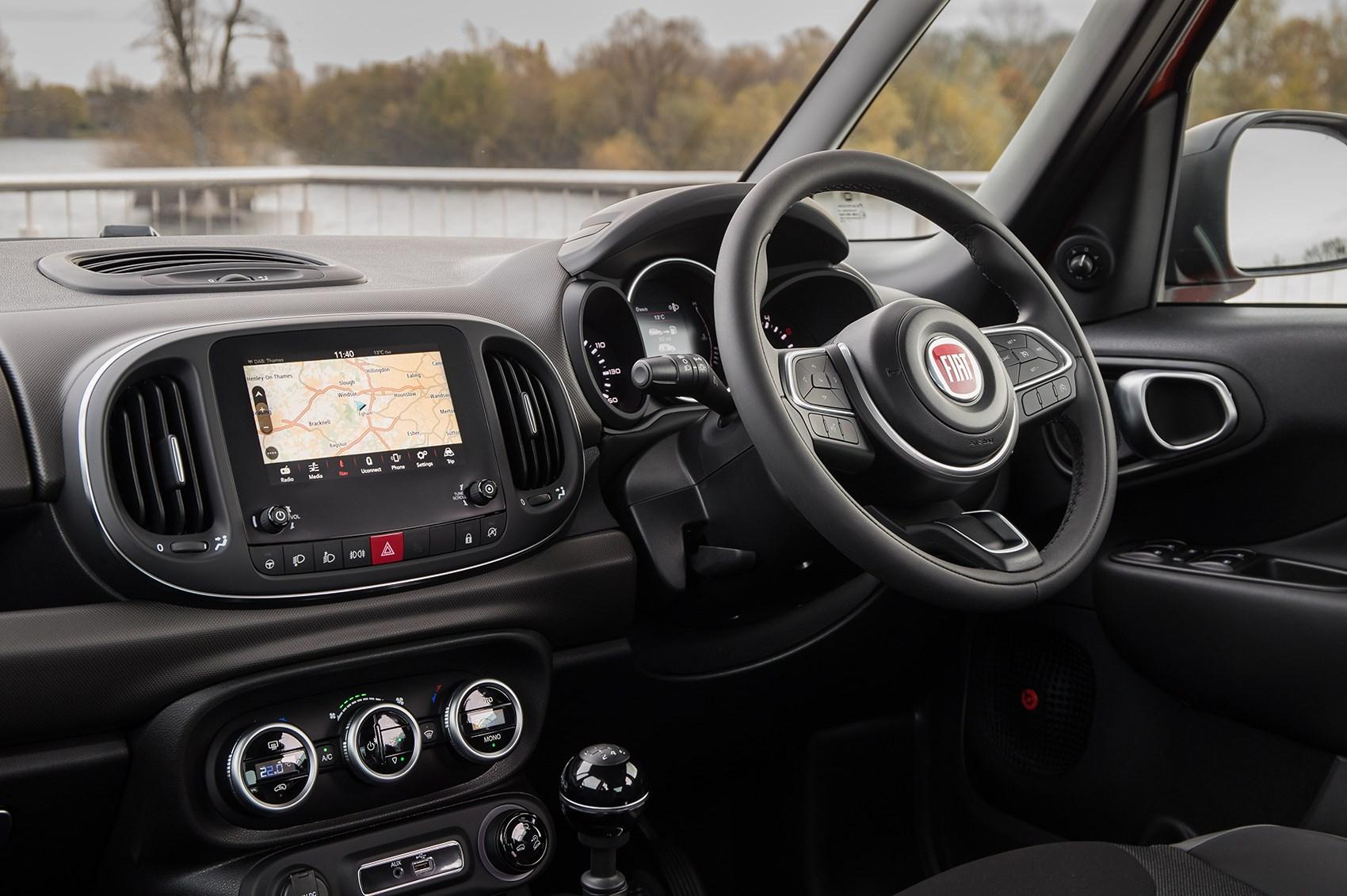 Fiat 500 Pop >> Fiat 500L Cross (2017 - ) Rivals | Parkers