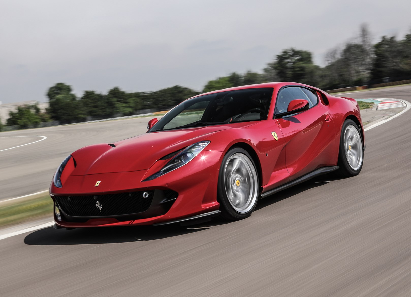 Ferrari 2017 812 Superfast Driving