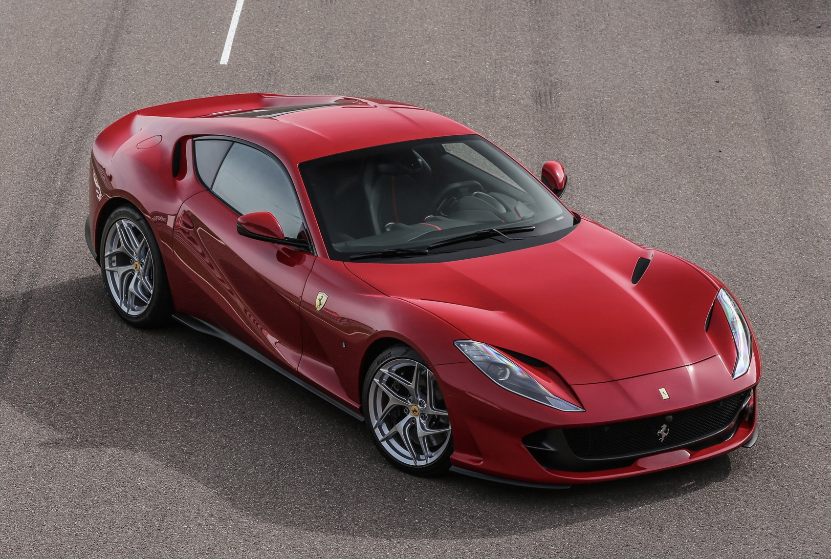 early drive ferrari 812 superfast parkers. Black Bedroom Furniture Sets. Home Design Ideas