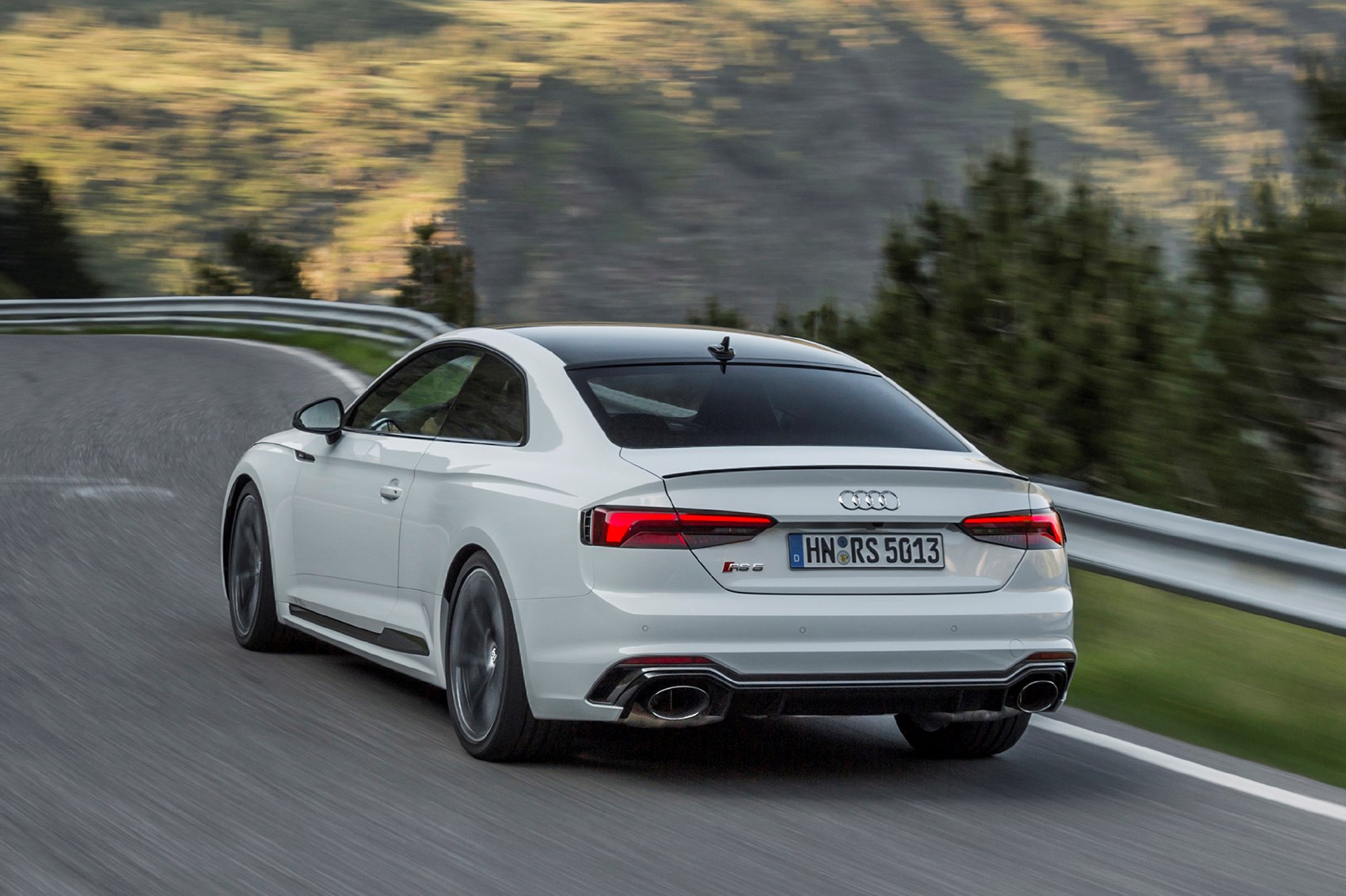 Early Drive 2017 Audi Rs 5 Coupe Parkers