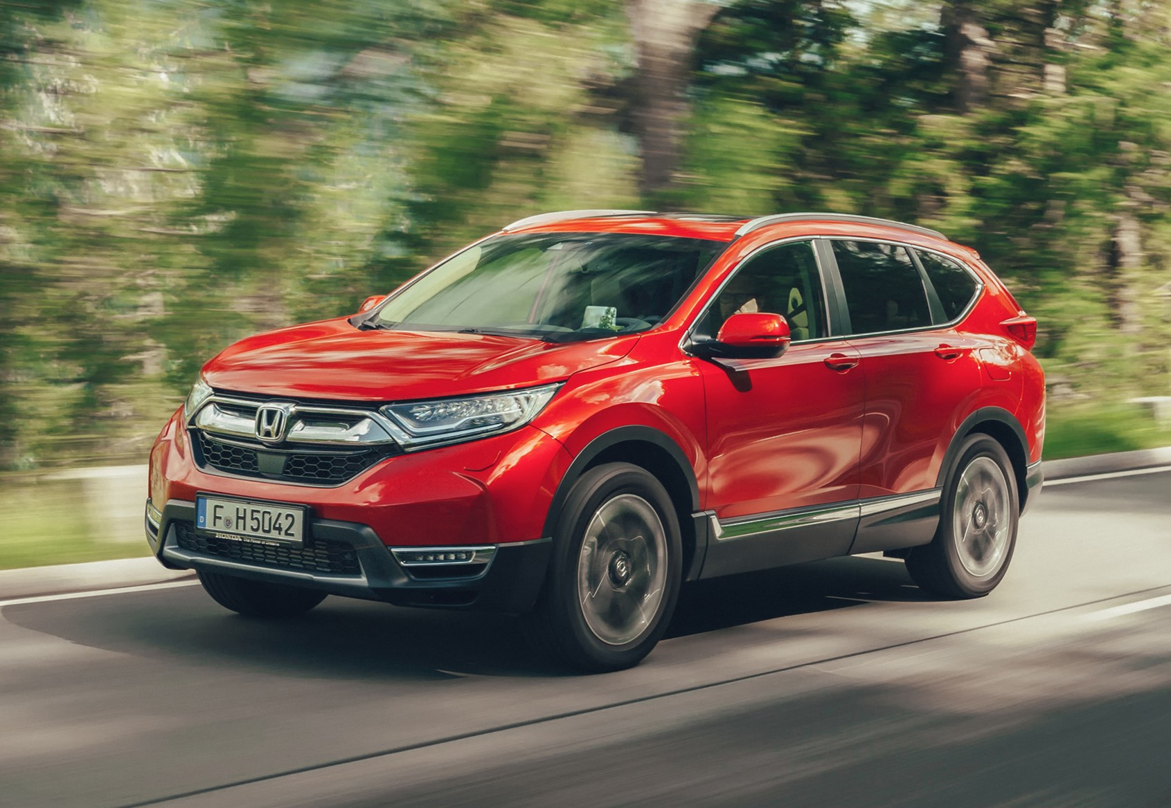 Honda Cr V Suv Review Equipment Safety And Practicality Parkers 2013 Sunroof Wiring Diagram 2018 Driving
