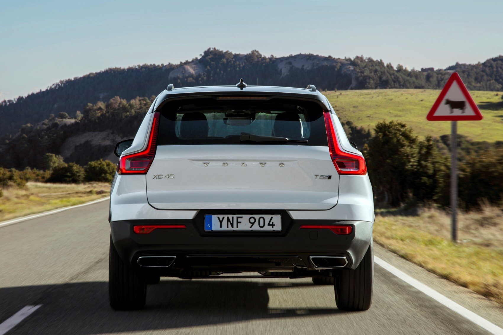 volvo xc review summary parkers