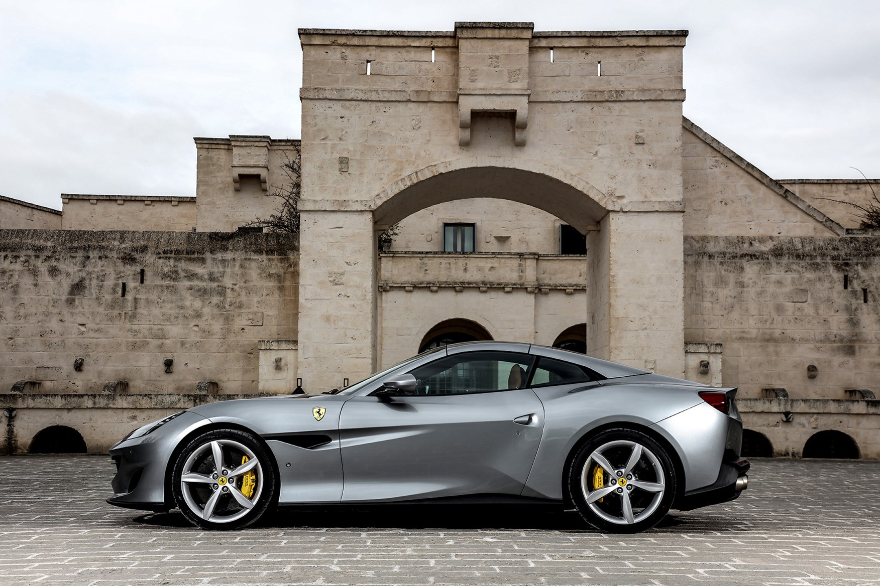 Ferrari Portofino Review Driving Parkers
