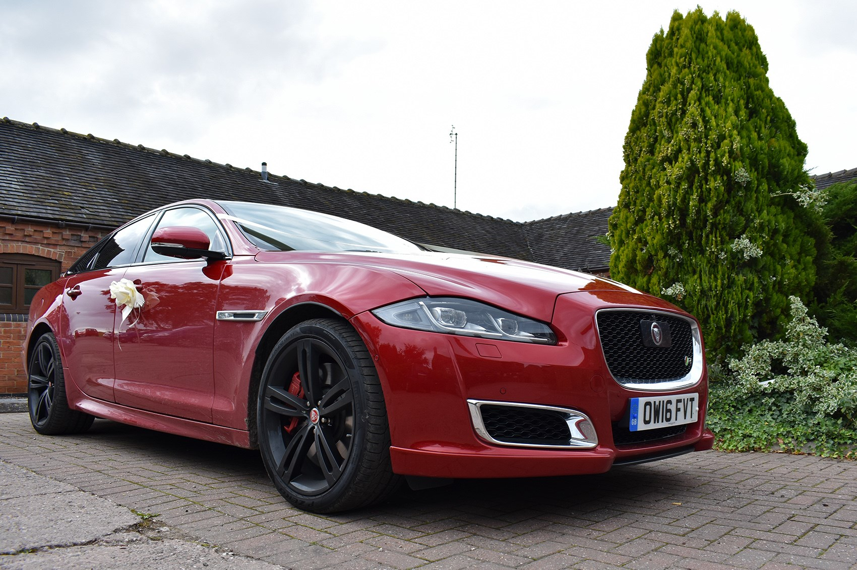 Is The Jaguar Xjr The Perfect Wedding Car Parkers