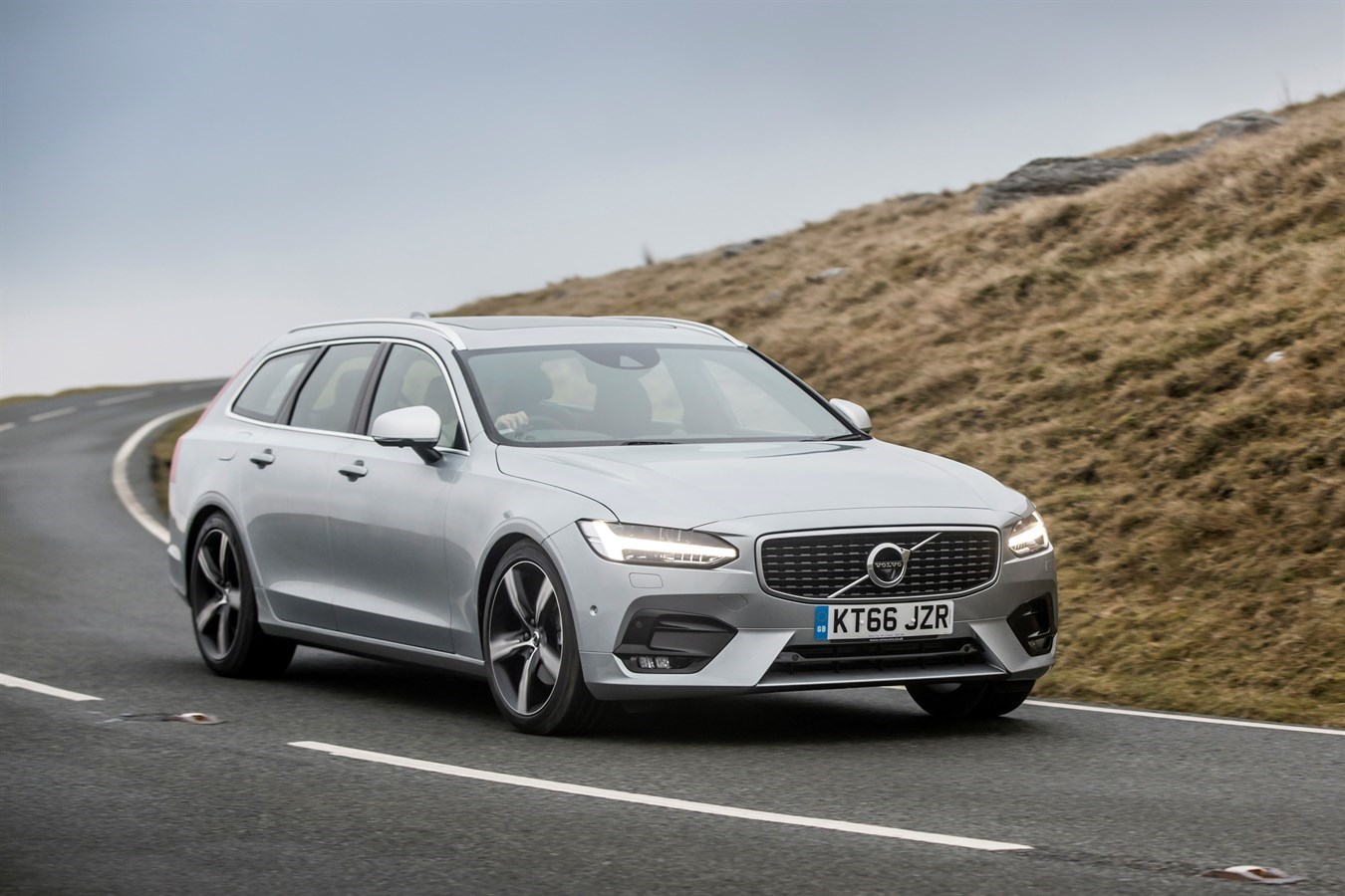 Petrol power for Volvo V90 and S90, but T4 comes at a cost ...