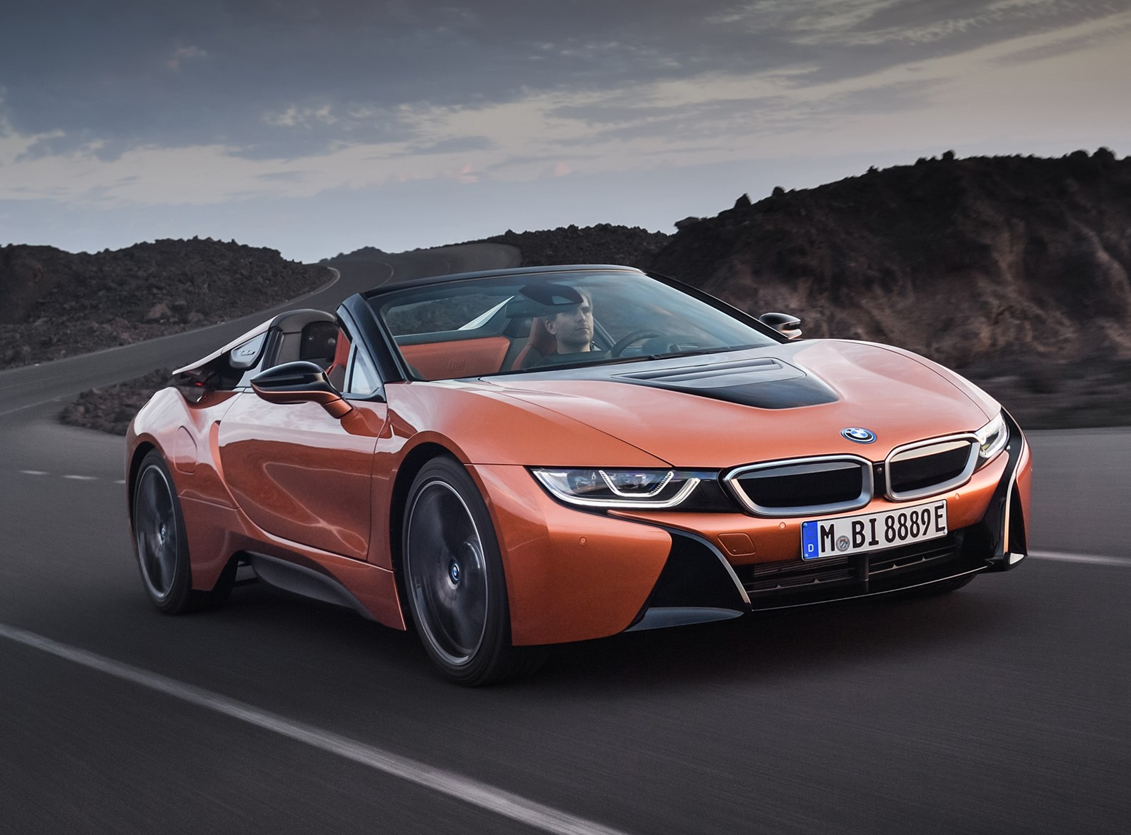 Driving Bmw 2018 I8 Roadster
