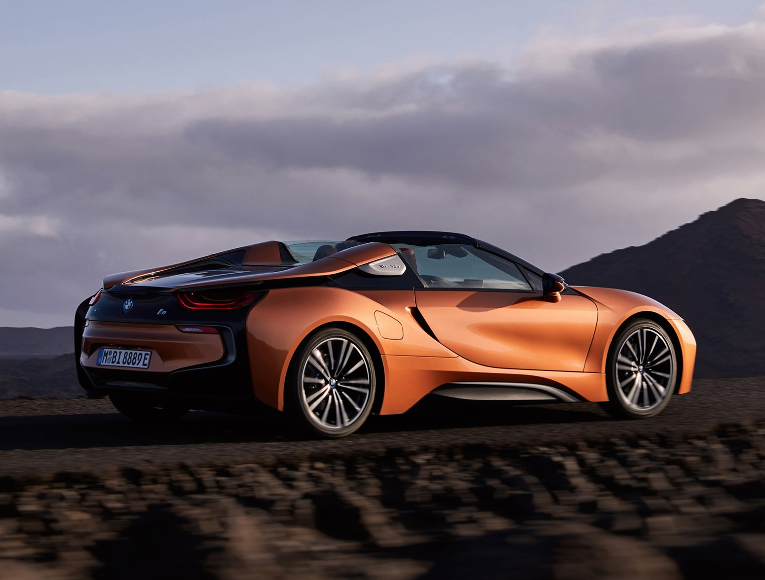 BMW i8 Roadster (2019) MPG, Running Costs & CO2 | Parkers