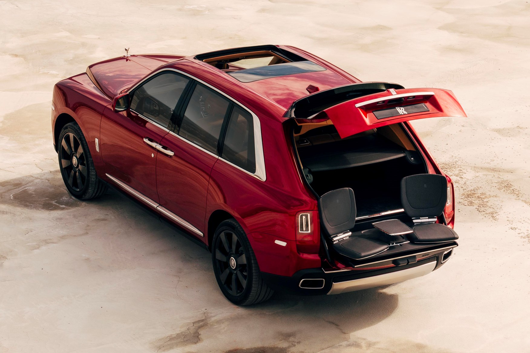 rolls royce cullinan suv review parkers. Black Bedroom Furniture Sets. Home Design Ideas