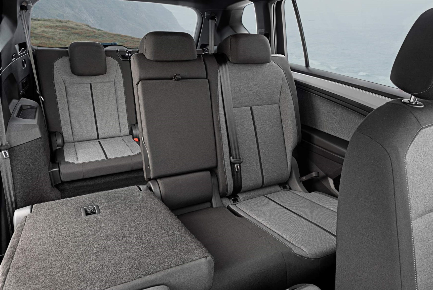 seat tarraco  practicality boot space dimensions parkers