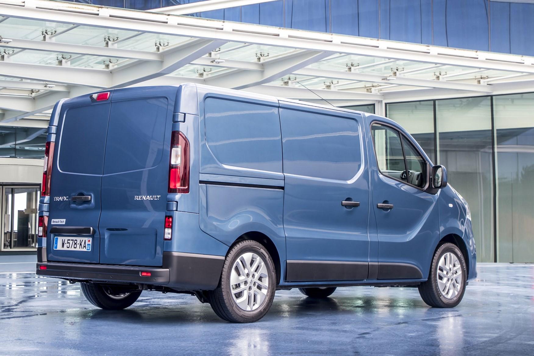 Renault Trafic van 2019 review | Parkers