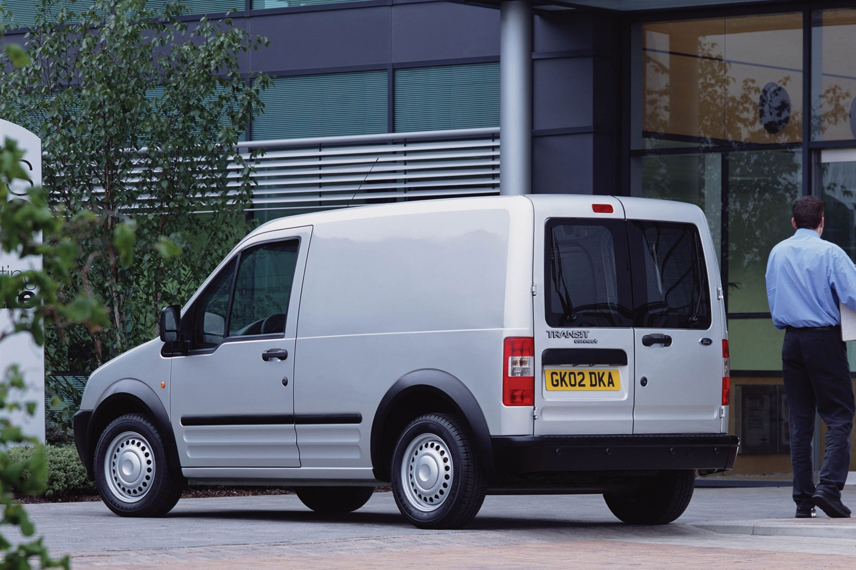 86bda5b1c1 ... Ford Transit Connect (2002-2013) rear view high roof ...