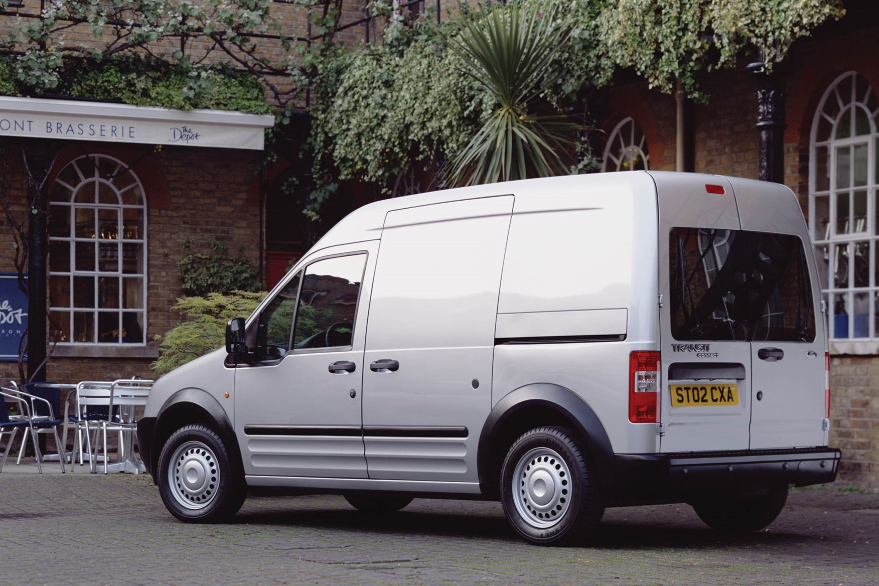 Ford Transit Connect Van Review 2002 2013 Parkers