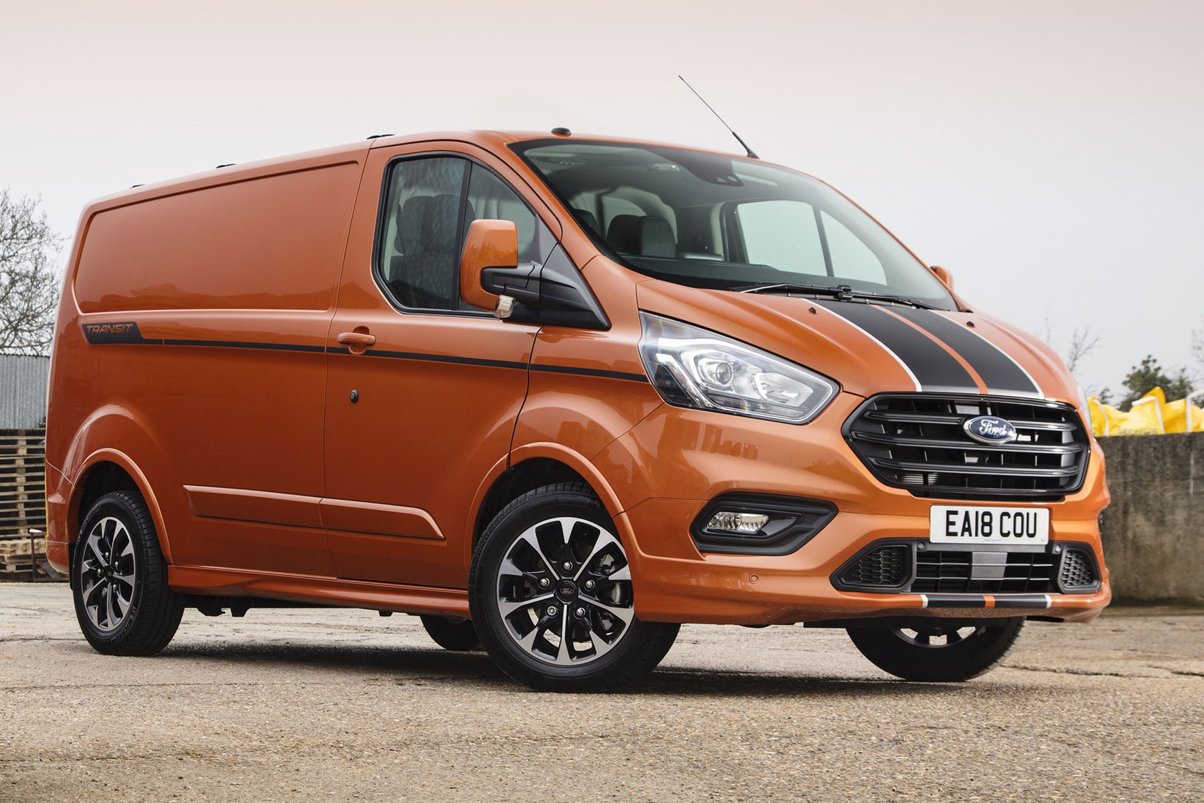 new ford transit custom review parkers. Black Bedroom Furniture Sets. Home Design Ideas