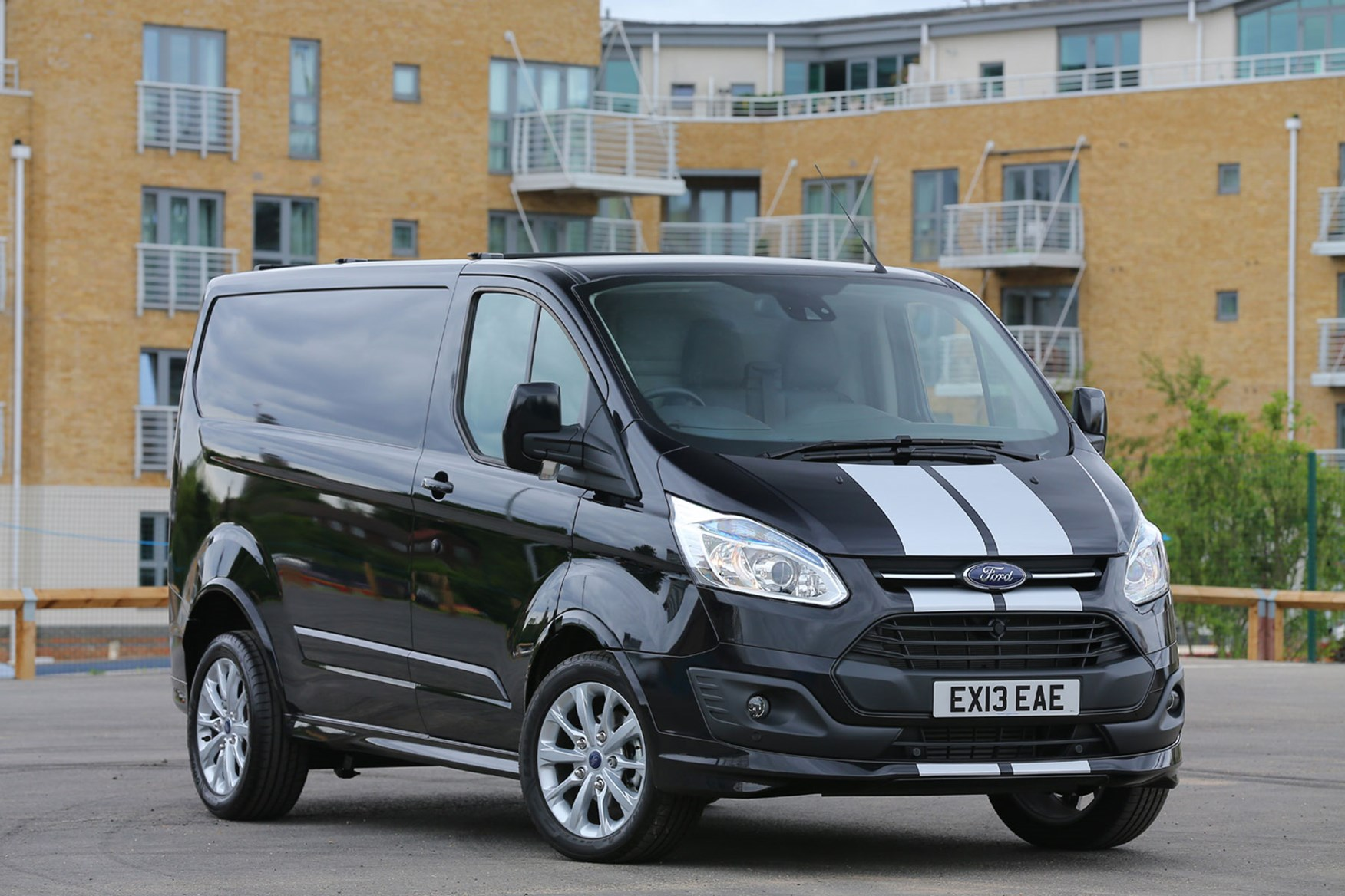 Super New Ford Transit Custom review | Parkers CR38