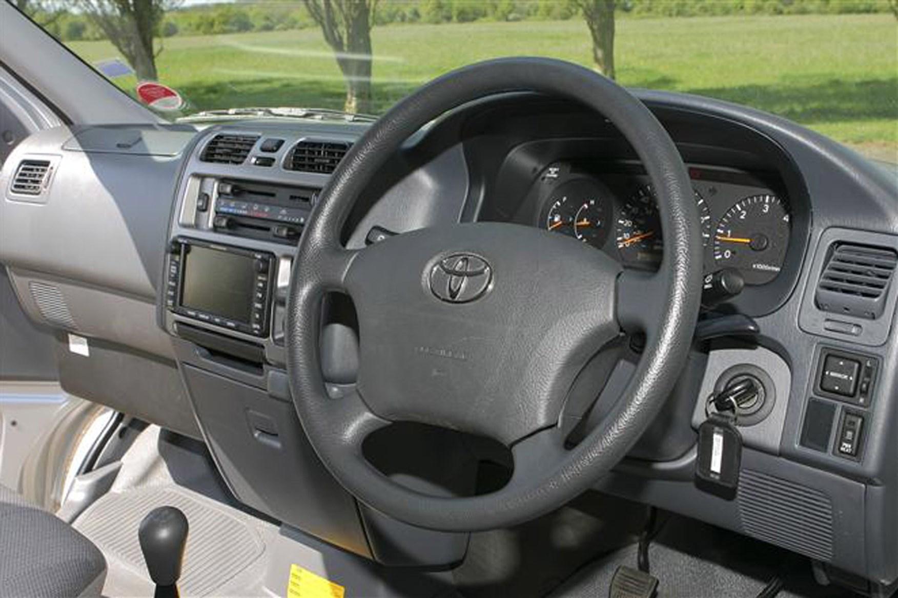 Toyota Hiace van review (1983-2012) | Parkers