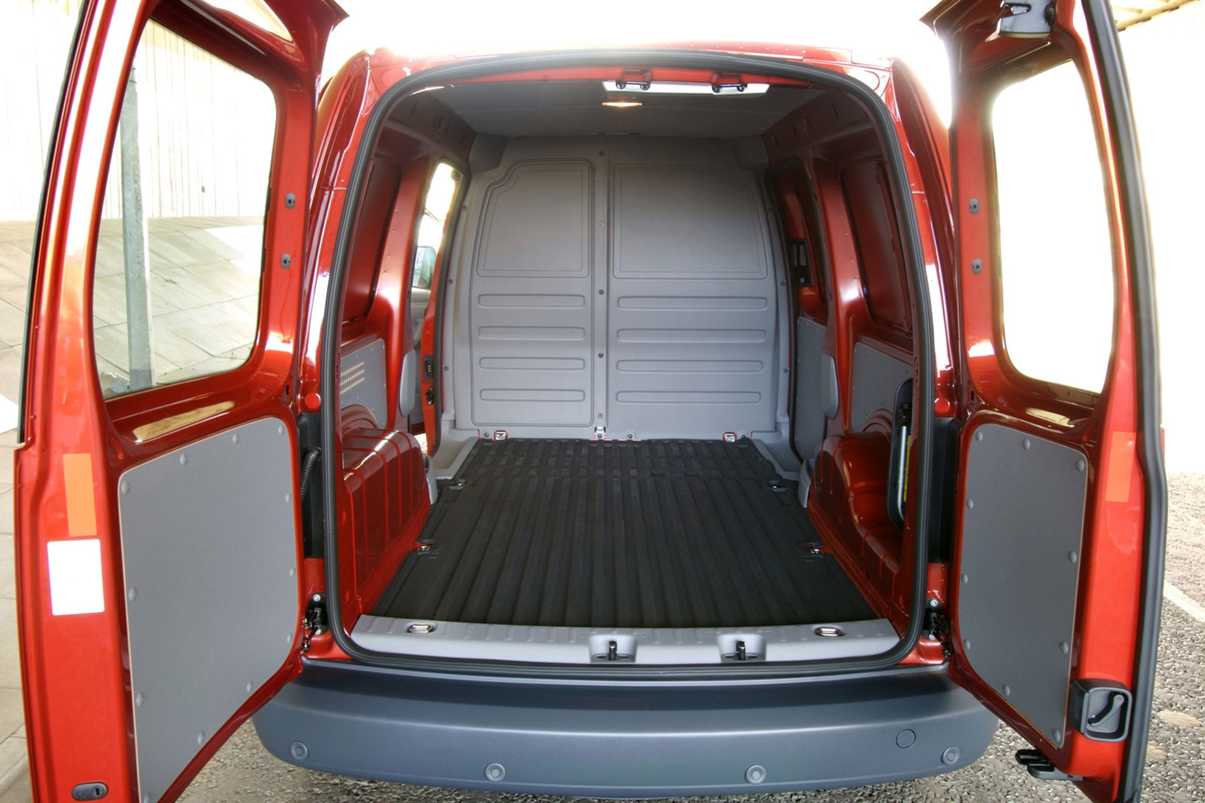 Volkswagen Caddy Van Dimensions 2004 2010 Capacity Payload Volume Towing Parkers