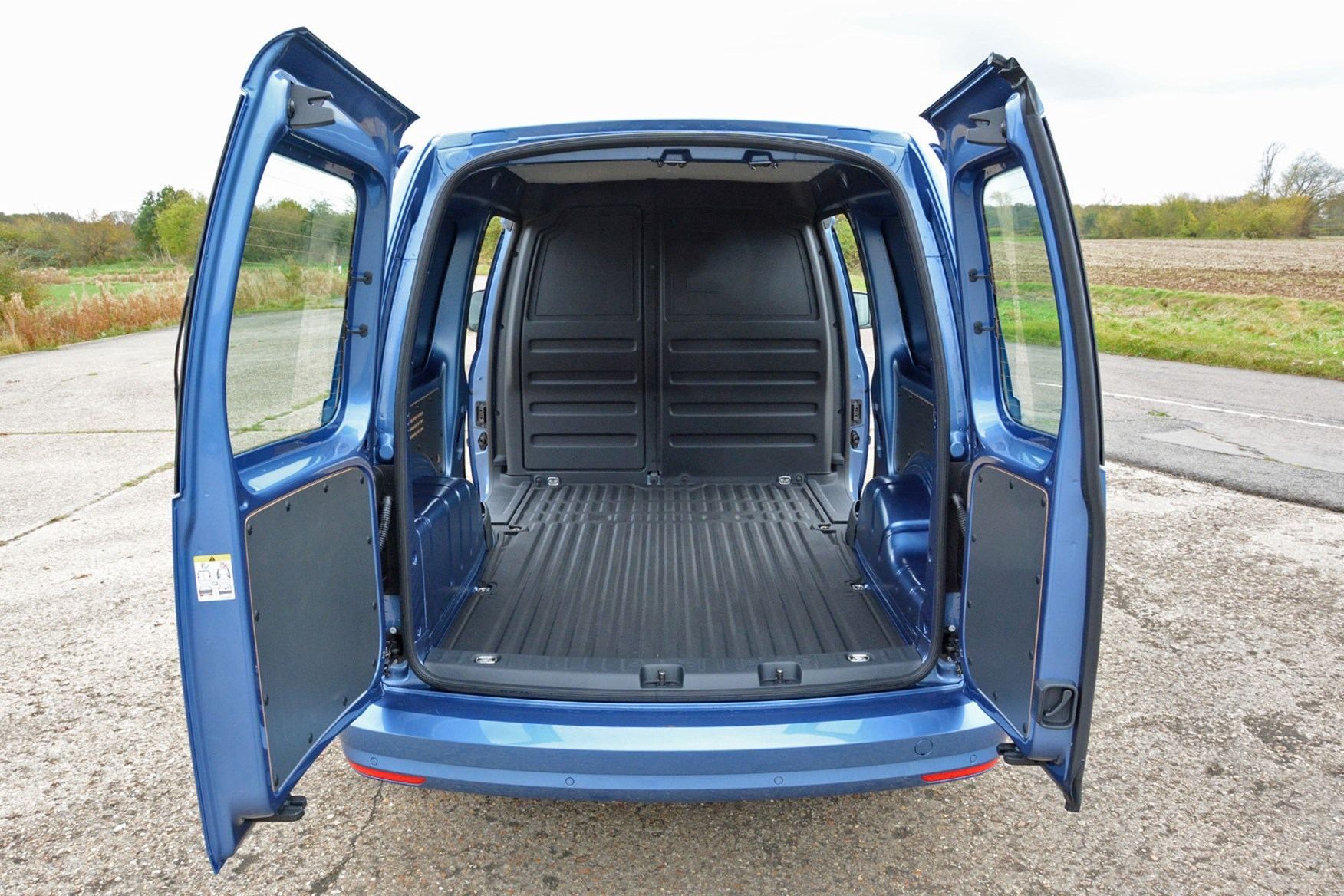 Volkswagen Caddy Van Dimensions 2015 On Capacity Payload Volume Towing Parkers