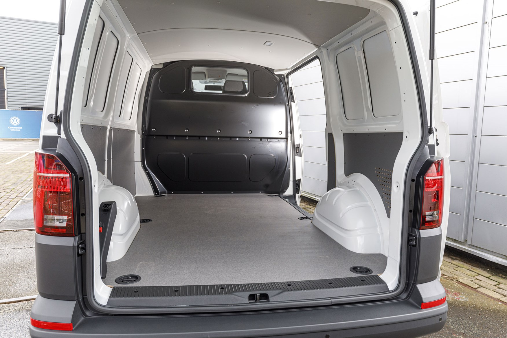 Volkswagen Transporter Van Dimensions 2015 On Capacity Payload Volume Towing Parkers