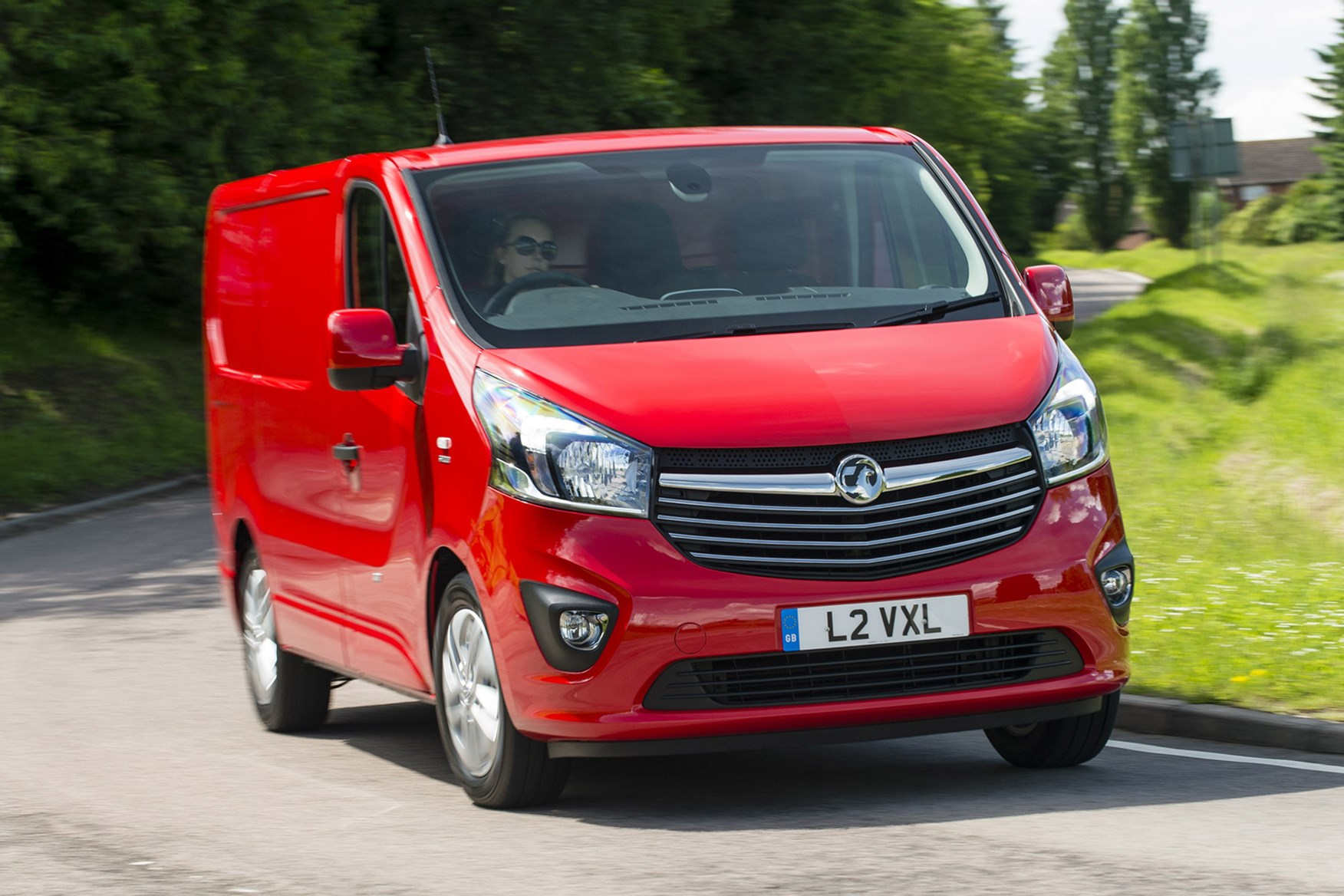 30c63b9f3a Vauxhall Vivaro full review on Parkers Vans - front ...