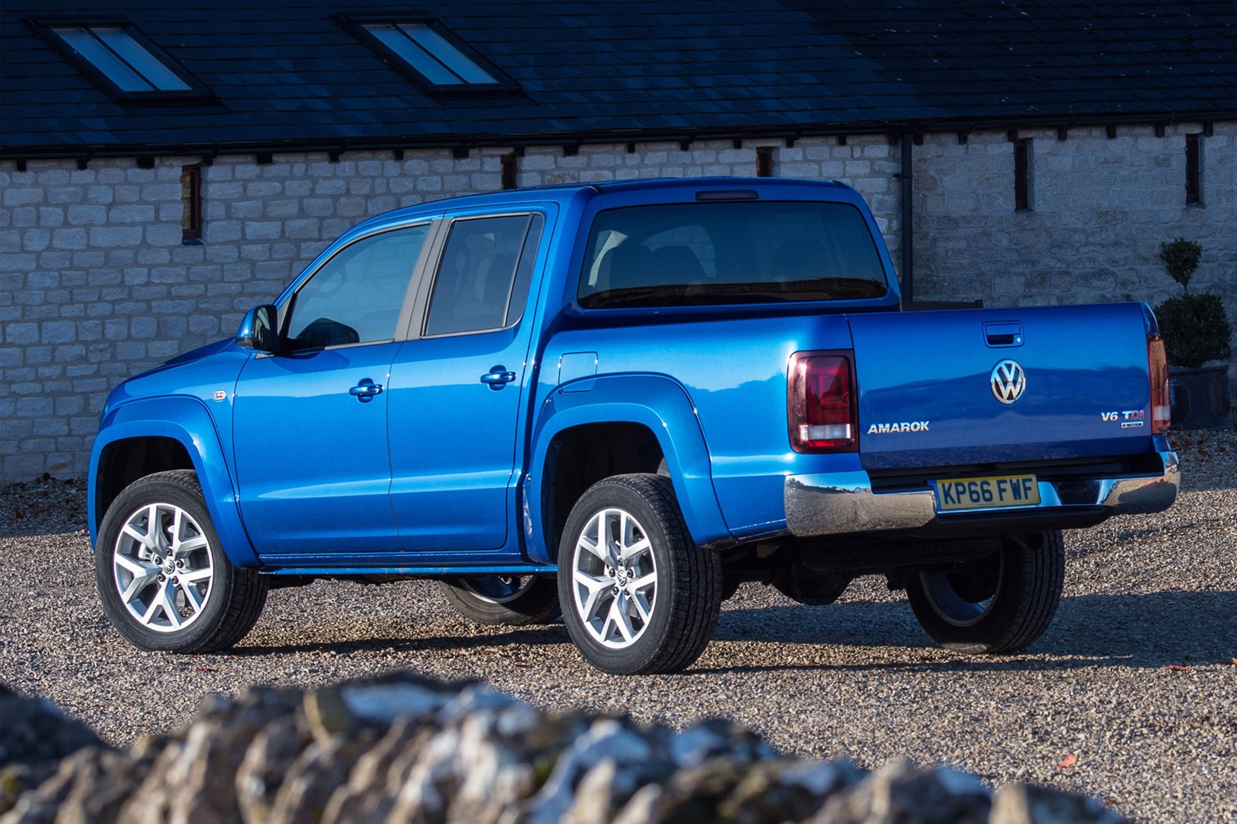 Volkswagen Amarok pickup review (2011-on) | Parkers