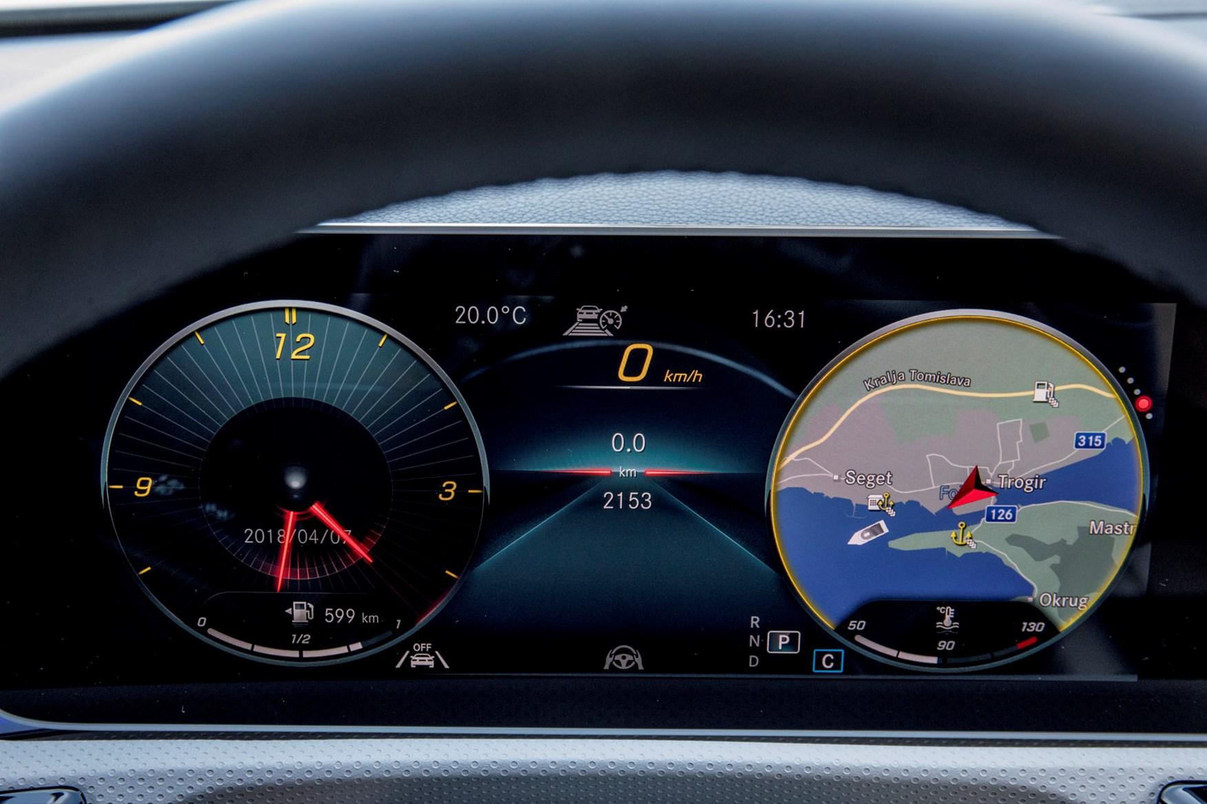 ... Mercedes A-Class instrument dials sat-nav ...