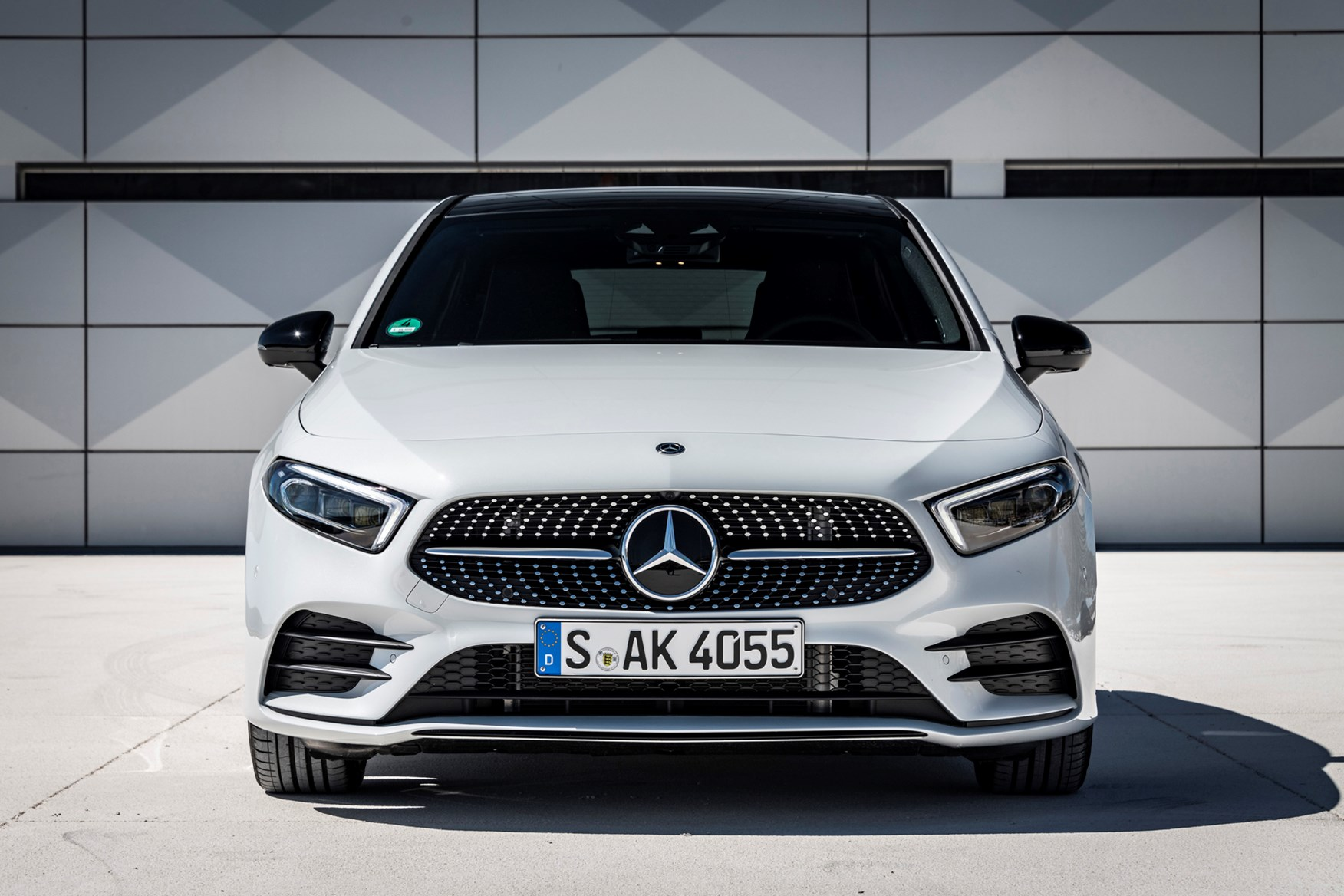 Mercedes A Class Review Features Safety And Practicality Parkers A190 Wiring Diagram A180 Front White