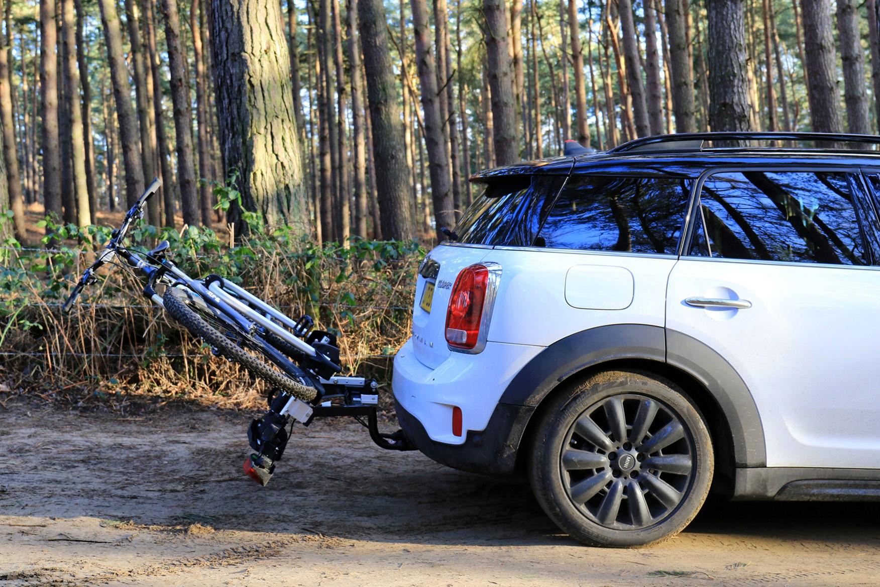 Mini Cooper Roof Rack >> Car bike rack comparison test | Parkers