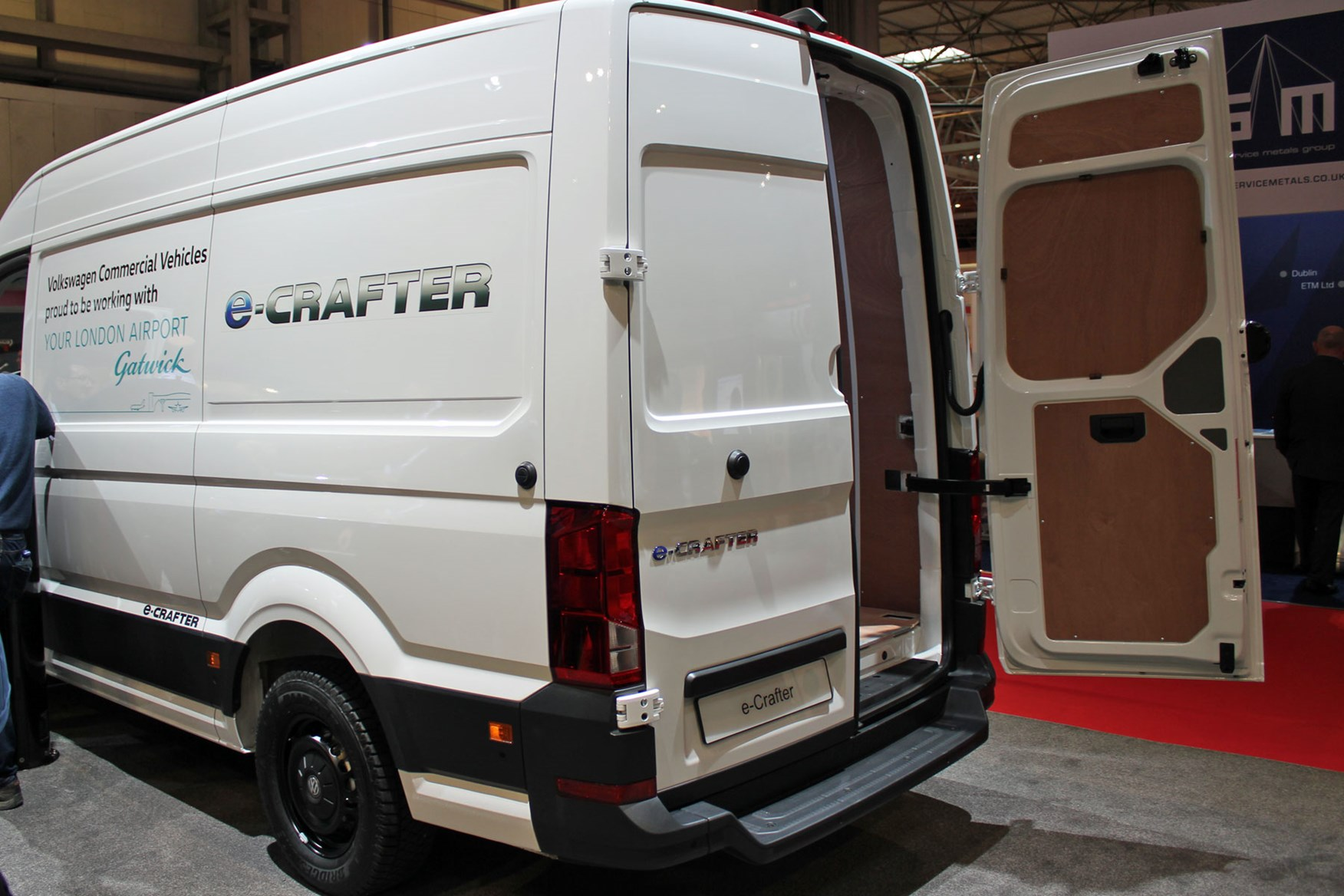 VW e-Crafter electric large van makes UK debut at CV Show 2018 | Parkers