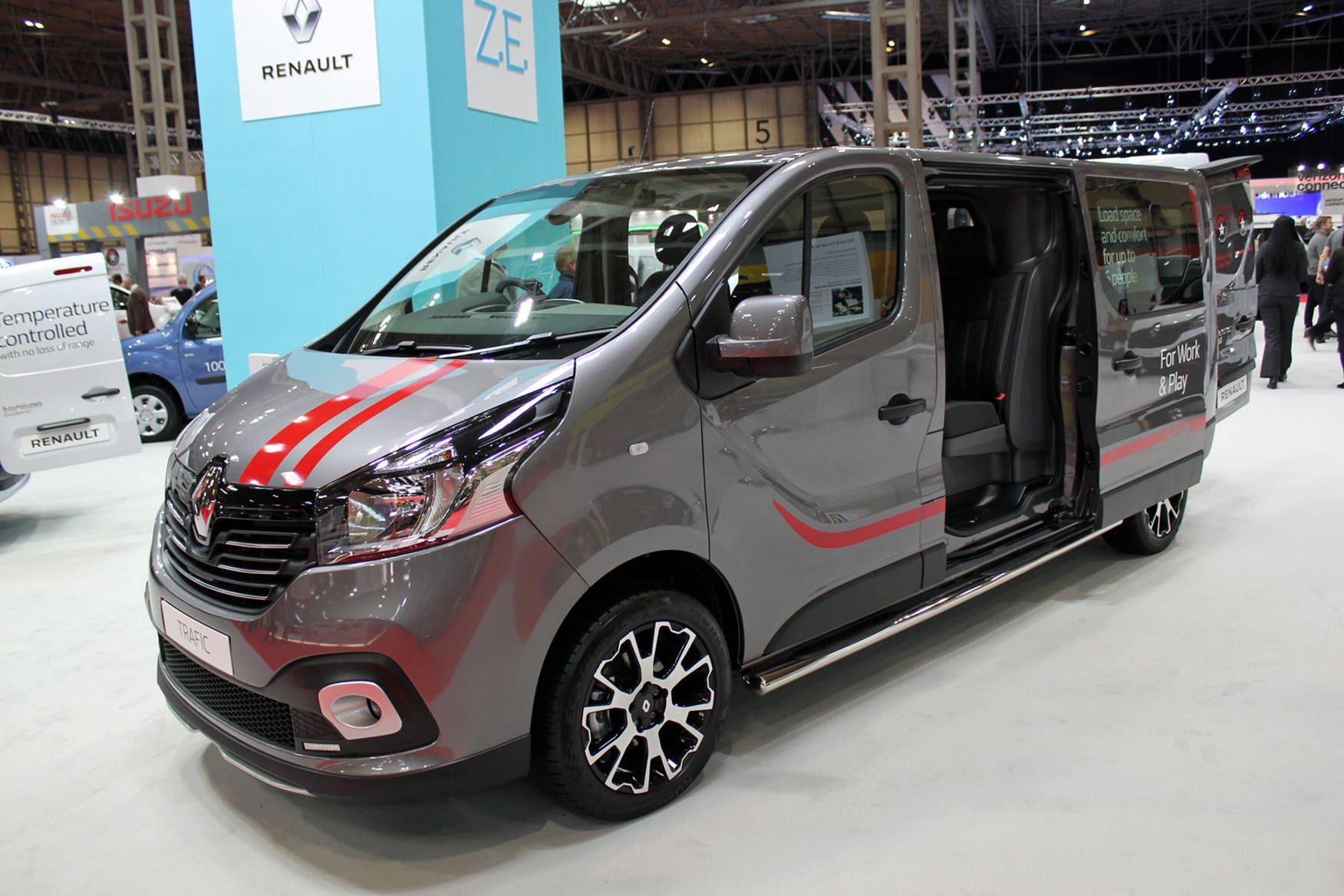 4a92111bd5 ... electric vans. Advertisement. News from Renault at the CV Show 2018