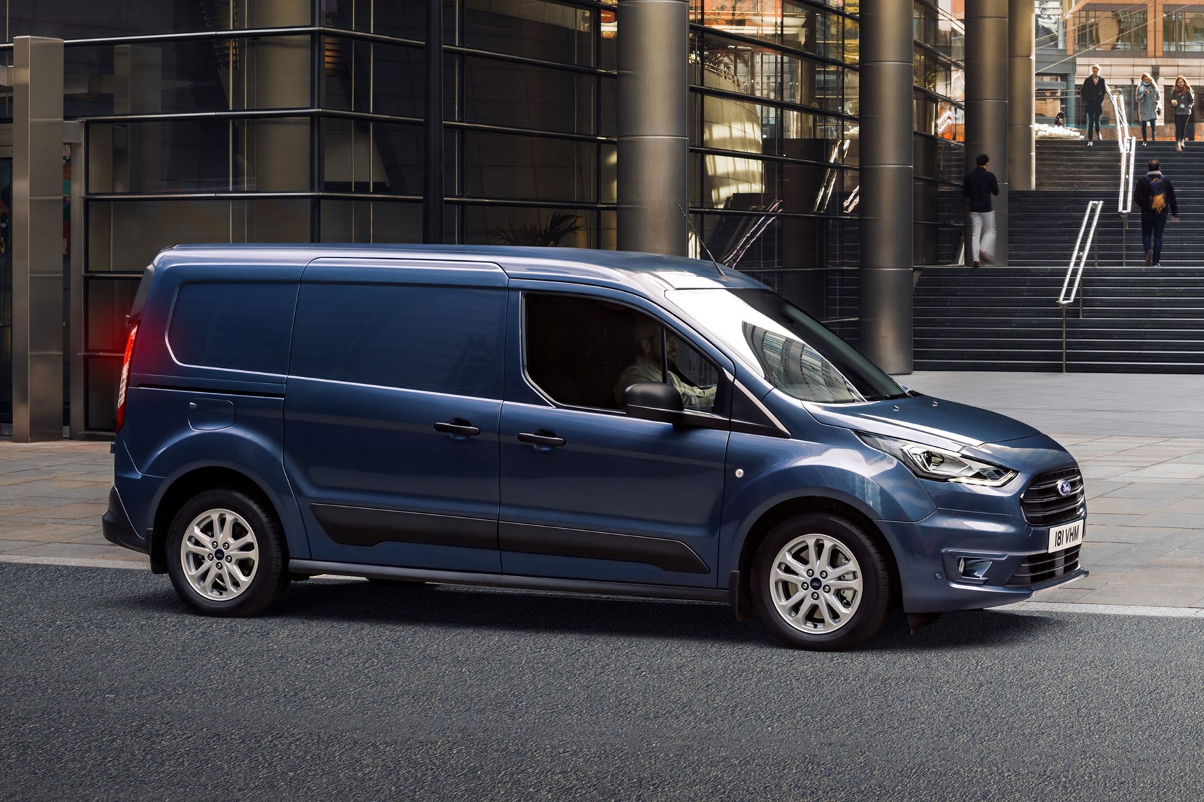 New 2018 Ford Transit Connect 30