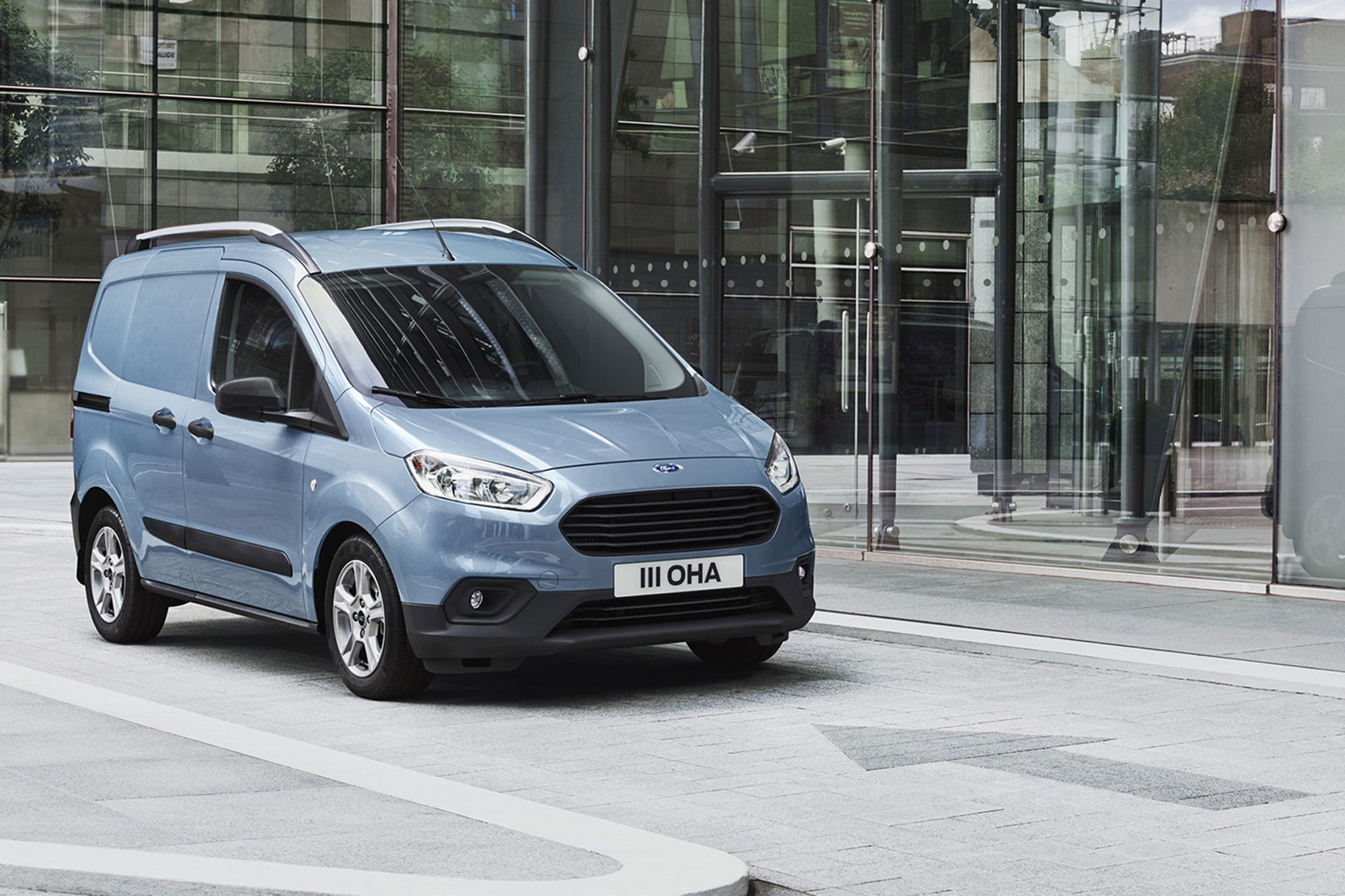 ford transit connect sport announced as part of update to connect and courier small vans parkers. Black Bedroom Furniture Sets. Home Design Ideas