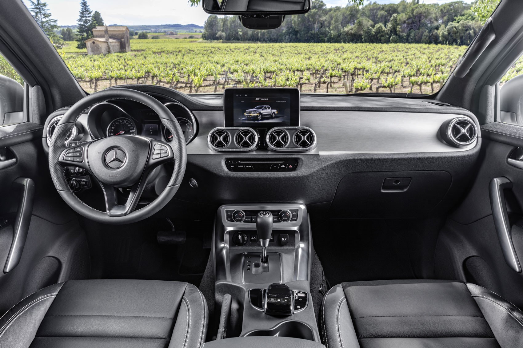 What\'s the difference between the Mercedes-Benz X-Class and the ...